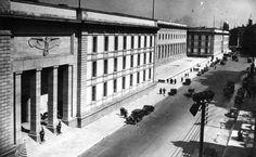 Die Front der Neuen Reichskanzlei in der Voßstraße
