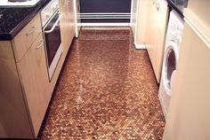 Key To Flow: Penny floors - that looks cool Penny Boden, Penny Tile Floors, Penny Backsplash, Tiled Floors, Pennies From Heaven, Copper Decor, Copper Penny, Deco Originale, Kitchen Flooring