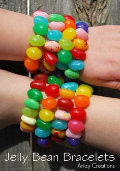 DIY Jellybean Bracelets! [Tutorial] : what a fun project to do with kids! Let them eat jellybean bracelets when finished or pass out to their friends for Easter!