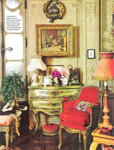 Iris Apfel's New York city apartment Living Room. Image by AD