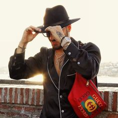 Maluma Style, Maluma Pretty Boy, Latin Artists, Latino Men, Man Bun, Beautiful Soul, Cartoon Art, Pretty Boys, Cowboy Hats