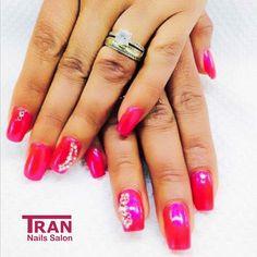 Diamonds #trannails #nageldesign #nagelstudioerbach #nailart #wallofnails #gel #manicure