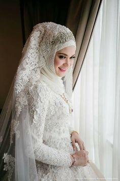 Malay Wedding Dress, Bridal Hijab, Muslim Wedding Dresses, Muslim Brides, Wedding Hijab, Muslim Dress, Wedding Veils, Wedding Wear, Bridal Dresses