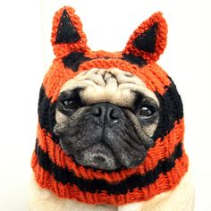 Love this adorable hat! Looking for one large enough to fit a mastiff-rottie!