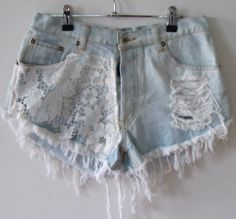 Great idea for my teen girls' jeans recycling/upscaling