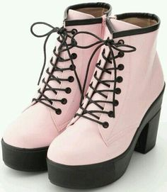 23 Ideas fashion outfits grunge pastel goth for 2020 Kawaii Shoes, Kawaii Clothes, Cute Shoes, Me Too Shoes, Cute Fashion, Fashion Shoes, Pop Fashion, Fashion Outfits, Fashion Trends