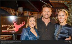 Kathi Wörndl (rechts), Servus TV / Einfach Kathi | Blouse F/W 12/13 | Rebekka Ruetz