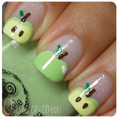 cute apple nail art. Super easy to make!
