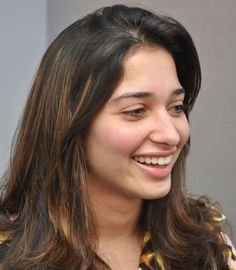 Tollywood actresses can be spotted wearing no makeup as well on an ordinary day out. Here's an insight into some pictures of Tamanna Bhatia without makeup. South Actress, South Indian Actress, Beautiful Bollywood Actress, Beautiful Actresses, Tamanna Hot Images, Actress Without Makeup, Persian Girls, Bare Face, Most Beautiful Faces