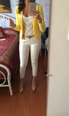 Outfit office yellow jacket - Outfit office yellow jacket Informations About Outfit oficina chaqueta amarilla Pin You can easily u - Stylish Work Outfits, Business Casual Outfits, Office Outfits, Work Casual, Classy Outfits, Chic Outfits, Fashion Outfits, Office Wear, Outfits Damen