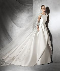Tabina, vestido de novia estilo sirena con escote barco