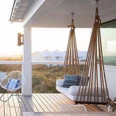 Let' s swing...   @scoutandnimble #interior_delux  #swing #deck #terrace #porch #terrasse #uterom