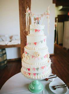 Un gâteau à guirlandes