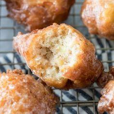 Chocolate Chip Snowball Cookies - Sugar Spun Run Sugar Cookie Recipe Easy, Easy Sugar Cookies, Cookie Recipes, Dessert Recipes, Spritz Cookies, Apple Desserts, Donut Recipes, Pizza Recipes, Pumpkin Fudge