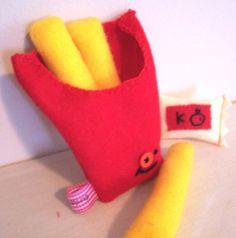 French Fries + Ketchup= BFF Want a cool gift to give your BFF? How about just some fun food to play with? These BFF softies will be perfect for any occasion! French Fries, Ketchup, Softies, Some Fun, Cool Gifts, Hand Stitching, Bff, Sewing, Etsy