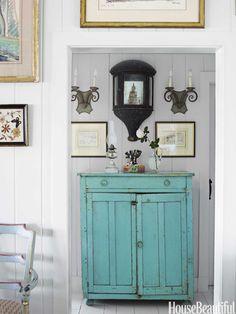 A vintage pie cupboard in turquoise. Design: Podge Bune. Photo: Francesco Lagnese. housebeautiful.com. #vintage #pie_cupboard #turquoise_decor #cottage