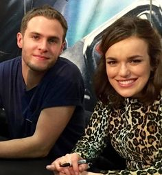 Iain De Caestecker and Elizabeth Henstridge at San Diego Comic Con 2015.  One of my all-time favorite pics of them.