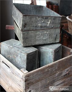 galvanized boxes and wooden crates Pallet Crates, Wood Crates, Galvanized Buckets, Galvanized Metal, Metal Tub, Old Tools, Industrial Chic, Old Things, Antiques
