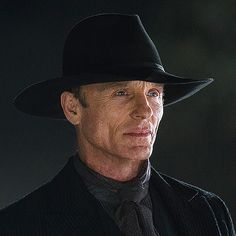 ED Harris as the Man In Black on WESTWORLD (2016)