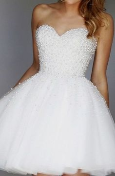 Charming Sweetheart Homecoming Dress,Sexy Beaded Homecoming Dress, Short Noble Ivory Homecoming Dress,Ball Gown Tulle Lady Dress