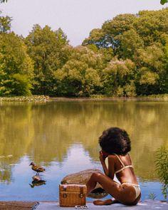 4 Ways to Quickly Revitalize Natural Hair Black Girl Art, Black Girl Magic, Black Girls, Photographie Portrait Inspiration, Brown Skin Girls, Millenial Fashion, Black Girl Aesthetic, Summer Aesthetic, Beautiful Black Women