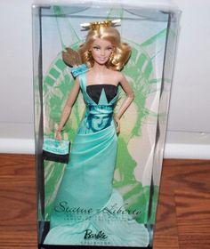 (NEW SEALED) STATUE OF LIBERTY PINK LABEL COLLECTOR BARBIE LANDMARK DOLL #Mattel