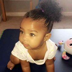 What a cutie❤ Cute Mixed Babies, Cute Black Babies, Beautiful Black Babies, Cute Little Baby, Pretty Baby, Cute Baby Girl, Beautiful Children, Little Babies, Cute Babies