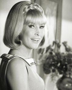 Barbara Eden... I Dream Of Jeannie!