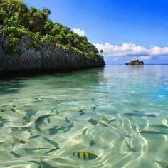 La trasparenza del Mar dei Caraibi al largo delle coste in Honduras