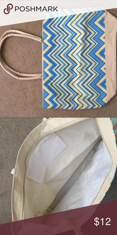 Chevron zip top tote 20 inches wide 14 inches tall Bags Totes