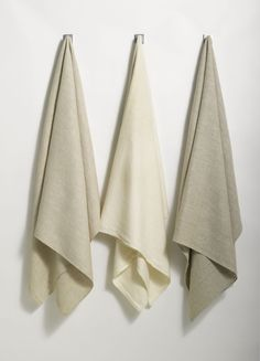 ANICHINI Donatas Linen Towels  Made from 100% handloomed natural linen, the Donatas towels are authentic and original - the essence of linen.