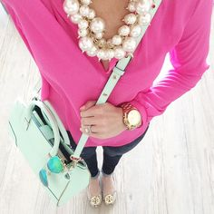 Is it Spring yet?! I love the pearls with this! I am a huge fan of statement necklaces with pearls!  ♡