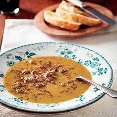 Outydse ertjiesop met beesskenkel South African Dishes, South African Recipes, Soup Recipes, Dessert Recipes, Desserts, Healthy Food Choices, Healthy Recipes, Easy Recipes, Recipe Mix