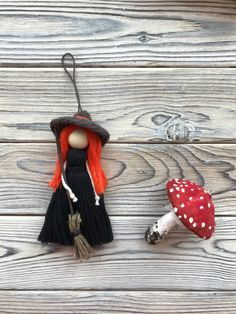 Christmas Presents, Christmas Tree Decorations, Halloween Decorations, Kitchen Witch, Fairy Dolls, Felt Dolls, Baby Room Decor, Halloween Gifts, Natural Materials
