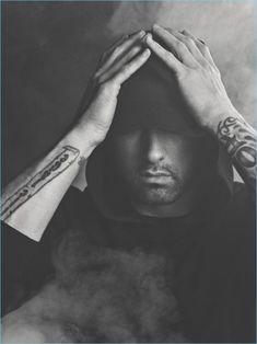 Shady is my idol!❤️ I am on Shady's side in any diss he does! Eminem 2017, New Eminem, Eminem Rap, Eminem Style, Marshall Mathers Lp, Marshall Eminem, Craig Mcdean, Elton John Eminem, Look Hip Hop