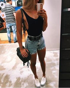 Simple Summer to Spring Outfits to Try in 2019 – Prettyinso Spring Summer Fashion, Spring Outfits, Trendy Outfits, Cute Outfits, Fashion Outfits, Style Fashion, Festival Looks, Outfit Goals, Festival Outfits