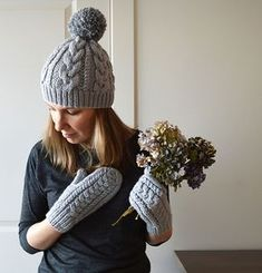 Tiilda hat free ravelry knitting pattern with cables and matching mittens bulky weight yarn size 6 and 8 circular needles