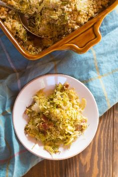 Brussels sprouts gratin with quinoa, bacon, and dried cranberries, topped with maple-butter breadcrumbs and pine nuts. Vegetarian Comfort Food, Vegetarian Main Dishes, Vegetarian Appetizers, Healthy Side Dishes, Side Dish Recipes, Vegetarian Recipes, Healthy Recipes, Comfort Foods, Drink Recipes