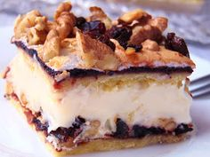 Pyszne ciasto, kiedyś bardzo popularne.        Składniki:   ciasto kruche:   200 g masła   300 g mąki pszennej   50 g cukru pudru   4 żółtka...