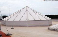 Dowiedz się więcej o naszych świetlikach piramidowych: http://www.piccolux.pl/portfolio/swietliki-piramidowe/
