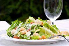 Cæsarsalat Cæsarsalat http://nemaftensmad.com/caesarsalat/  #Salater , #Brød, #Englesk-Sauce, #Parmesan