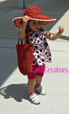 Crochet sun hat & bag Tutorial ༺✿Teresa Restegui http://www.pinterest.com/teretegui/✿༻