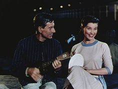 Debra Paget + Hoagy Carmichael in Bells on Their Toes singing Japanese Sandman. I get many of the songs from that movie stuck in my head and I don't mind at all. Hoagy Carmichael, Cheaper By The Dozen, Jeanne Crain, Stuck In My Head, Bob Hope, Myrna Loy, Moving Pictures, Classic Films, Old Hollywood
