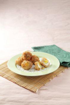 Siomay ayam telur puyuh,siomay berbahan dasar ayam nan lezat, Yuk kunjungi resepnya.