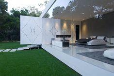 Glass Pavilion 10
