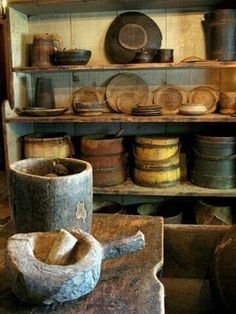 firkins and other wood Primitive Homes, Primitive Kitchen, Primitive Antiques, Country Primitive, Primitive Bathrooms, Amish Country, American Country, Country Homes, Early American