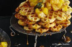 Mohnwaffeln mit karamelisierten Ananaswürfeln Waffles, Breakfast, Food, Cooking, Waffle Iron, Food Food, Simple, Morning Coffee, Essen