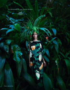 Hermes released their upcoming Spring / Summer 2014 ad campaign, which features models Diana Moldovan and Yumi Lambert. Foto Fashion, Fashion Shoot, Editorial Fashion, Nature Editorial, Fashion Women, Christophe Lemaire, Fashion Advertising, Advertising Campaign, Advertising Space
