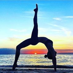 """""""Each moment has an unrealized dimension of beauty that only your perspective can liberate."""" - Bryant McGill ✨ incredible #yogapose photocred: @chintwins via @aloyoga"""