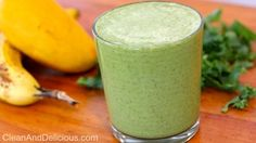Clean Eating Sweet Green Smoothie - Print recipe here: -> http://cleananddelicious.com/2014/04/23/clean-eating-sweet-green-smoothie/